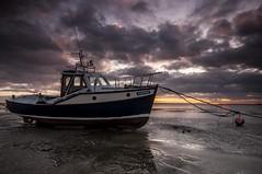 Essex Thorpe Bay. (daveknight1946) Tags: buoy southend essex thorpebay riverthames clouds leefilters boatmerrybee sundaylights