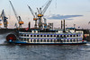 Hamburgo (Aka_Jandrus) Tags: barco vapor agua boat muelle puerto harbor bridge ship move movement hamburg hamburgo spain madrid españa alemania germany elba rio river nube cloud cielo sky canon eos 500d