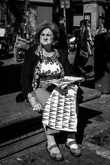 _DSF5793 (Antonio Balsera) Tags: bw bn banco gente sentada madrid comunidaddemadrid españa es