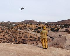 032 Directing The Helicopter Down (saschmitz_earthlink_net) Tags: 2018 california orienteering vasquezrocks aguadulce losangelescounty laoc losangelesorienteeringclub