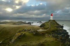 Twr Mawr lighthouse at Christmas (PentlandPirate of the North) Tags: twrmawr llanddwyn anglesey northwales lighthouse santahat felixnavidad xmas christmas