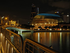 Colours on the Bay (elenaleong) Tags: espanade theatresonthebay iconiclandmark nightscape elenaleong