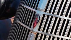 1936 Oldsmobile two-door coupe hot-rod - Street Classics Cruise, Queensway, Toronto. (edk7) Tags: olympuspenliteepl5 edk7 2014 canada ontario toronto etobicoke queensway streetclassicscruise cruise 1936oldsmobile2doorcoupe hotrod detail car automobile classic vintage old auto vehicle crusty grille ornament aluminum