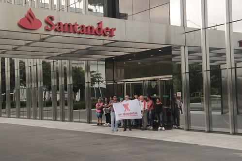 Trabalhadores do Santander paralisam contra a Reforma Trabalhista