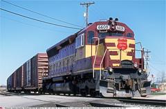 WC6608GB_NFondDuLac_300402 (Catcliffe Demon) Tags: railways railroading usa wisconsin cn wc sd45 emd diesellocomotive wisconsincentral canadiannational usatrip1aprmay2002