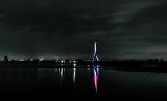 Rheinbrücke Wesel ... der Fluss verlässt sein Bett ... (gabrieleskwar) Tags: nacht fluss lichter leuchten rhein niederrhein nrwgermany wasser wolken farbe architektur brücke bunt beleuchtung spiegelung bäume