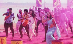 Bollywood (Jhaví) Tags: bollywood varanasi india incredibleindia travel cinema cine film filming rodaje colours