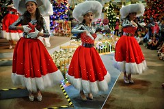 The color of Sigma 30mm (Xiaole wy & JV William) Tags: canon eos 1d mark iii sigma 30mm f14 hsm color christmas musical show public dance dancer costume holiday season vacation south east asia smooth silky bokeh