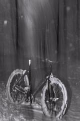 snowy bicycle (sami kuosmanen) Tags: suomi sky snow salama photography puu pitkä pyörä polkupyörä cycle bike bicycle luonto light landscape long liike europe exposure expression intentionalcameramovement icm bokeh blur taivas tree talvi tie road lumi snowing sade