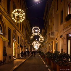 IMGP7662 The Men's Street (Claudio e Lucia Images around the world) Tags: christmastree christmas christmastime christmasdecoration milano lights shininglights fashiondistrict sigma sigma1020 pentax pentaxk3ii nightshot bluehour bulgarichristmastree cielo notte edificio albero persone torre montenapoleone santospirito cartier stellamccartney architettura negozio