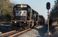 A SD60 in South Georgia (Albert (Rudy) R.) Tags: norfolk southern ns train trains buff railfan railfanning sd60 emd electro motive division signals signal freight 330 manifest georgia