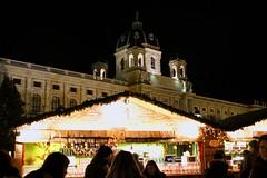 Vienna - December 2017 (300 jours à Paris) Tags: vienna wien austria christmas market architecture wiener schnitzel cake aida cafe graben museumsquartier chriskindlmarkt rathaus europe austrian food