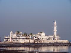 LR Mumbai 2015-283 (hunbille) Tags: birgittemumbai4lr india mumbai bombay haji ali dargah hajialidargah mausoleum pilgrim site