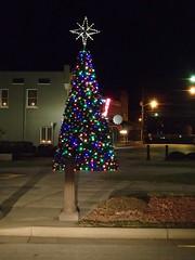 O Christmas Tree ... (picsbyrita) Tags: christmas tree hodgenville kentucky downtown itsbeginningtolookalotlike odc christmaslightsoutdoors ansh scavenger1
