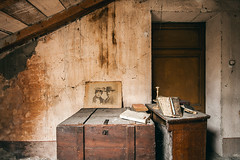 Ricordanze (Seb Lo Turco) Tags: abbandono abandonedhouse decay urbex postiabbandonati