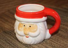 352/365 Santa's Mug Shot (Helen Orozco) Tags: mugshot santa wanted mug dollar 1 dollarstore canonrebelsl1 christmas