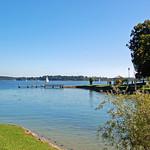 Prien am Chiemssee - Blick von der Parkanlage am Hafen auf den Chiemsee (1) thumbnail