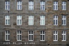 Cafè de la Bourse (maxlancio) Tags: saint malo malò cafè bourse borsa francia bretagna bretagne finestra finestre modulo modulare