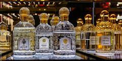 Eaux de Guerlain (L'Abominable Homme de Rires) Tags: guerlain parfum parfumerie luxe paris galerieslafayette couleur canon5d 5dmkiii 1740mmf4 dxo photolab lightroom