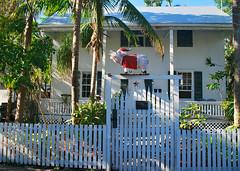 Key West (Florida) Trip 2017 0019Ri 4x6 (edgarandron - Busy!) Tags: florida keys floridakeys keywest house houses building buildings christmas christmasdecorations decorations whitestreet