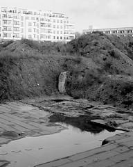 . (oOTheSmallOneOo) Tags: film meinfilmlab analog wwwmeinfilmlabde analogue mamiya rz67 fomapan 400iso 120 6x7 blackandwhite bw berlin mittelformat medium format friedrichshain construction site new topographics urban
