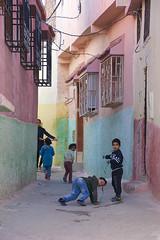 rue de Ouezzane Maroc_2293 (ichauvel) Tags: ouezzane maroc morocco enfants children kids jouer playing rue street couleurs colours maisonscolorées colourfulhouse magreb afriquedunord northafrica africa afrique voyage travel exterieur outside