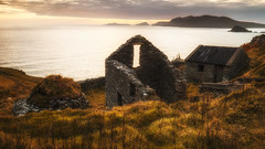 Ireland of Yesterday (Graham Daly Photography) Tags: canon1635 canon6d countykerry dinglepeninsula dingletripoct2017 grahamdalyphotography landscapephotography nisi3stopgraduatedndfilter nisi5stopgraduatedndfilter nisifilters nisipolarizer nisiv5pro seascapes sleaheaddrive coastalimages coastalphotography eveninglight imagesofireland landscapesofireland magichour outdoors rolleitripod wildatlanticway nikcolorefexpro old ireland ancientireland oldireland greatphotographers