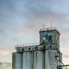 141 of 365: The Penthouse (tainkeh) Tags: december danmark 2017 sunset winter europa cloud ringsted denmark sky 365project 365 europe silo project365 visitdenmark building industry architecture tower