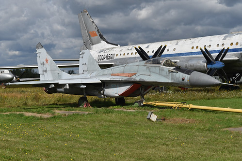 Mikoyan MiG-29 (9.13) '51 blue'