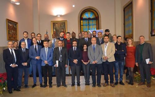 El consejero de Presidencia entrega a los ingenieros libios que se forman en gestión del agua sus acreditaciones