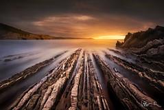 Zumaia, Euskadi (jesbert) Tags: zumaia euskadi itzurun sunset atardecer seascape landscape paisaje coast water rocks sun rocas sol agua sony a7r2 carl zeiss 16 36 nd filters long exposure larga exposicion daarklands