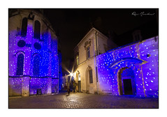 Rue de la Chouette (Rémi Marchand) Tags: illuminations nuit night canon5dmarkiii eglisenotredame hôteldevogüe dijon côtedor bourgogne ruedelachouette rue pavés
