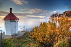 Okshornen with Lighthouse (hapulcu) Tags: arctic norge noruega norvege norvegia norway norwegen okshornen senja troms automne autumn autunno herbst høst toamna