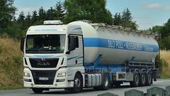 PL - Silo Poll-Nussbaumer >S565< MAN TGX XLX (BonsaiTruck) Tags: ffb feldbinder poll nussbaumer s565 man tgx lkw lastwagen lastzug silozug truck trucks lorry lorries camion camiones silo bulk citerne powdertank