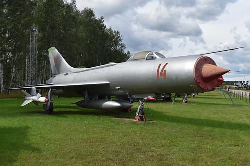 Sukhoi Su-11 '14 red'