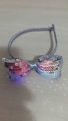 Tiara com laço de lantejoula e LED (Costurinhas da Sueli - Festejando 7 anos) Tags: tiara laço de lantejoula led arquinho menina festa casamento cinza