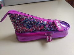 03Jan18 #CF18 #LIGHT #2018pad #photoaday #picaday - Who says I have to keep my #diabetes supplies in a boring black case? Not me! I found this adorable pencil case today (It's back to school time in Australia) and had to have it. The sparklies really catc