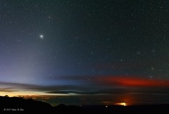 Zodiacal Light, Mars, Jupiter, Volcano and Southern Cross (Pachacoti) Tags: maunakea starrynight stars southerncross crux zodiacallight mars morningsky astrophotography canon60d wideangle twilight jupiter