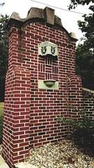M Kirby Hosp (Allen F. Moore Estate) c1912 Brick Fence, 1111 N. State St, Monticello, IL 20170731-25 (RLWisegarver) Tags: piatt county history monticello illinois usa il