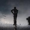 the runner   l   2018 (weddelbrooklyn) Tags: wasser spiegelung jogger läufer laufen sport silhouette nikon d5200 35mm licht schatten regen water reflection runner running jogging sports silhouettes light shadows rain 80er 80s
