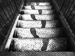 DSCF2733 (Neil Johansson LRPS) Tags: fujifilmx30 blackandwhite monochrome bnw urban urbanphotography urbanwales ffotonwales street streetphotography streetphotographer streetphoto streetphotobw footprints noir graphic snow steps rhylnoir rhyl denbighshire traces