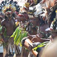 Festival dancers: Bonenepi (Sven Rudolf Jan) Tags: papuanewguinea alotau canoeandkundufestival singsing dancers