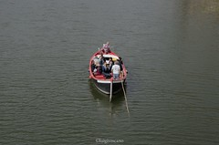 Boat on the river Arno (tosco974) Tags: toscana barca arno firenze