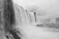Iguaçu Falls - Brazil - 01 (Andre Lourenco) Tags: sony sonyalpha alpha 68 a68 ilca68 blancetnoir blackandwhite whiteonblack whiteandblack noiretblanc monochromatic monochrome monocromático water agua fozdoiguacu iguacu iguazu iguassu falls cataratas brazil argentina