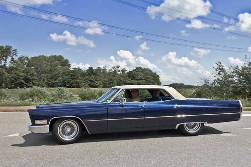 Cadillac Sedan DeVille Hardtop 1968 (2954)