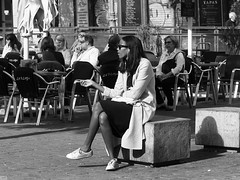 Just a sigarette (GiulioBig) Tags: stile blackwhite people women città street madrid comunidaddemadrid spain