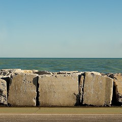 Promenade (Carlo Pedretti) Tags: seascape promenade horizon blocks sunset square minimalism minimalphoto minimalphotography dsc2788version4