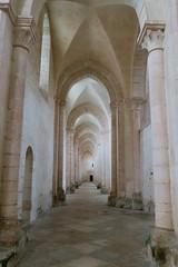 Abbaye de Pontigny - Collatéral (godran25) Tags: europe france bourgogne burgundy yonne pontigny citeaux cistercien cisterciens cistercians abbaye abbey église church abbatiale collatéral