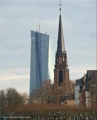 Frankfurt am Main - Zum Dreikönigstag: Geld und Glaube einträchtig nebeneinander?! (Three Kings Day: money and religion)