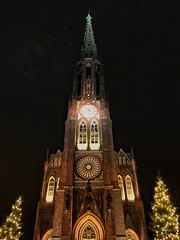 Rakete. Grote Kerk, Bremerhaven. (marfis75) Tags: rocket night clear klar nacht 2018 winter christmas xmas weihnachten cc marfis75 kirchlich stadt city bremerhaven glaube gros rot kirche kerk rakete